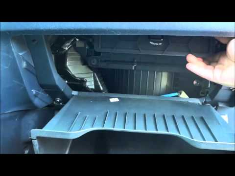 How To Change A Honda CR-V Cabin Air Filter (2006-2011)