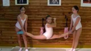getlinkyoutube.com-Escuela Sudamericana de Ballet-7th part- More Ballet stretchings-Flexibility exercises-Ballet class