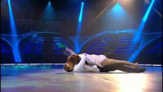 getlinkyoutube.com-RIHANNA Unfaithful - Dance Performance (w/ water)
