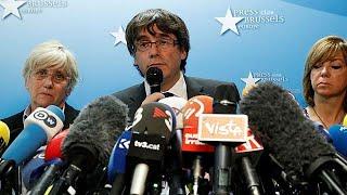 Puigdemont no quiere pedir asilo a Bélgica, asegura que acepta el reto de las elecciones del 21D