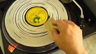 getlinkyoutube.com-Limpieza de discos de vinilo con cola sintética o goma