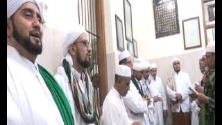 getlinkyoutube.com-Pembacaan Qosidah oleh Al-Habib Syech bin Abdul Qodir Assegaf 2016