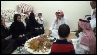 getlinkyoutube.com-الامير الوليد بن طلال يقوم بتوزيع الشقق الممنوحة من مؤسسة الوليد بن طلال الخيريه في اليوم الوطني