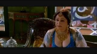 getlinkyoutube.com-Kirron Kher Cleavage - Mangal Pandey (2005)