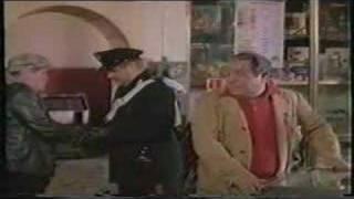getlinkyoutube.com-i carabbinieri - Bombolo ed Ennio Antonelli