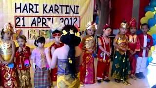 getlinkyoutube.com-LAGU IBU KITA KARTINI