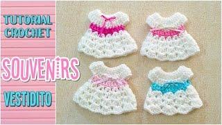 getlinkyoutube.com-Souvenir a crochet para baby shower vestidito, paso a paso