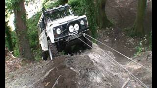 getlinkyoutube.com-triple line and double  snatch blocks in action landrover