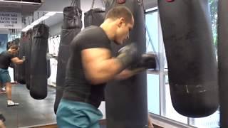 getlinkyoutube.com-Junior Dos Santos Cigano treinando Boxe com Erivan Conceição