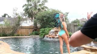 "getlinkyoutube.com-COMPOUND VLOG #25 - ""Naked Models In Tiny Bikinis"""