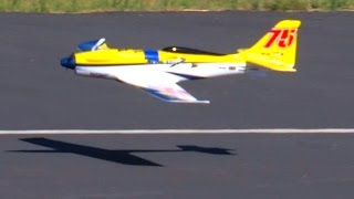 getlinkyoutube.com-Jerry EFX Racer by Durafly 1st flight on 4S 5x5 prop