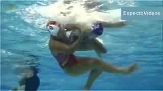 getlinkyoutube.com-Women's Waterpolo Dirty play   HD What happens underwater !!!