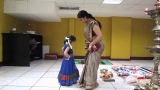 getlinkyoutube.com-Aghosha's first dance class with Asha Sarath