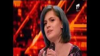 Prezentare: Teodora Constantin a venit pe scena X Factor într-un picior!