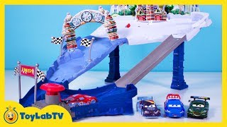 getlinkyoutube.com-Disney Cars Toys Snowdrift Spinout Track Set Ice Racers Lightning McQueen Max Schnell Launcher Movie
