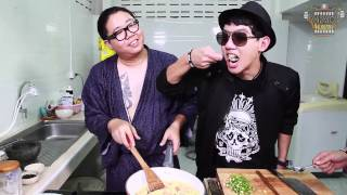 getlinkyoutube.com-VRZO HUNGRY - EP.7 ข้าวผัดห่อไข่ไทยแลนด์ [by Sunsnack]