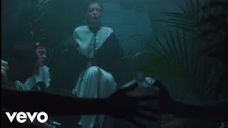 VIDEO: Lorde's 'Team' video is bizarrely post-apocalyptic