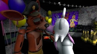 getlinkyoutube.com-[FNAF-SFM] Mean Girls: Mangle Kisses Foxy | Victoria Hecnar