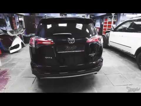 Toyota Rav4. Установка скрытого омывателя камеры заднего вида.