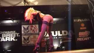 Striptease show by MediadreamsNetwork