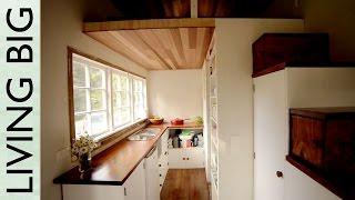getlinkyoutube.com-Stunning DIY Cottage-Style Tiny House