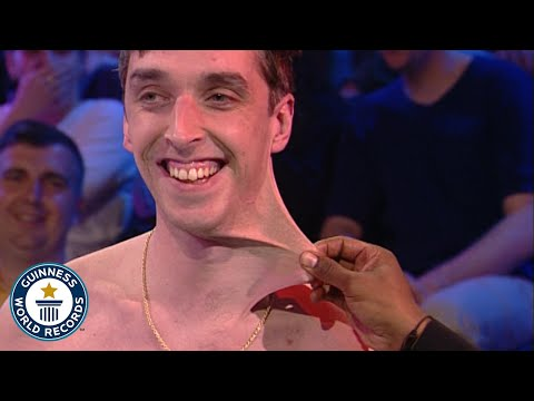 Stretchiest Skin - Dehnbarste Haut der Welt! - Guinness World Records