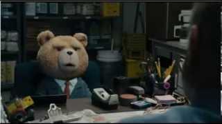 TED el oso tedy entrvista de trabajo