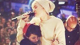 getlinkyoutube.com-Miley Cyrus Breaks Down in Tears at Concert for Dog Floyd- VIDEO!