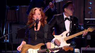 "getlinkyoutube.com-Bonnie Raitt, Tracy Chapman, Jeff Beck and Beth Hart - ""Sweet Home Chicago""  (2012)"