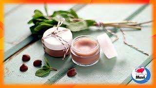 getlinkyoutube.com-Como hacer brillo de labios casero de chocolate y menta