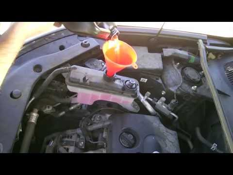 Toyota Rav4 2008 Antifreeze Coolant Drain and Replacement 100,000 Mile Service