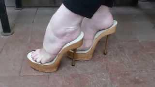 getlinkyoutube.com-Sexy Feet in Sexy Wooden Platform Heels