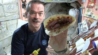 getlinkyoutube.com-Astronaut Chris Hadfield and Chef Traci Des Jardins Make a Space Burrito