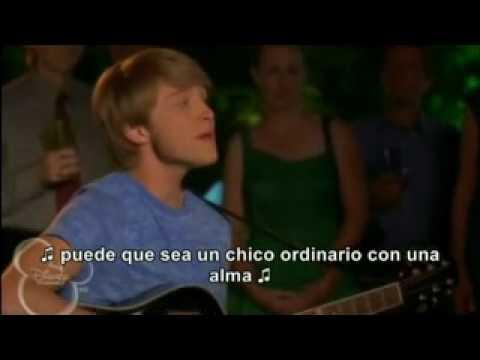 Hero En Español de Christopher Wilde Letra y Video