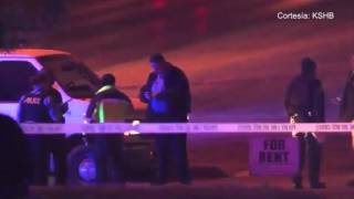 La policía de Kansas City, Kansas está investigando un homicidio tras un doble tiroteo