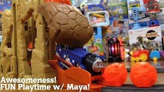 getlinkyoutube.com-Thomas & Friends Trackmaster: Thomas' Volcano Drop Play Set Playtime w/ Maya
