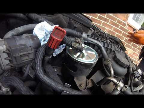 Как поменять топливный фильтр Mercedes c 200 to change the fuel filter Mercedes c 200