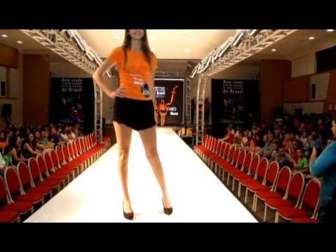 www.farosc.com.br Campanha Faro Models 2014 com Clara Kastanho e Jonatas Faro