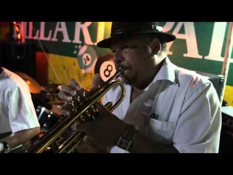 Musique Réunionnaise - Compère Chinois - Par le Waki Band