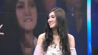 getlinkyoutube.com-Top News : เปิดตัว แฟนบอลสาวไทย ที่ดังสุด ใน เอเชีย (20 ต.ค. 58)
