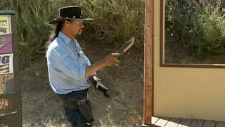 getlinkyoutube.com-Knife Throw vs. Fast Draw - Cisko Master Gunfighter