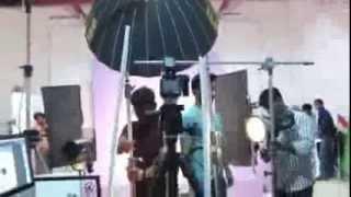getlinkyoutube.com-KAREENA KAPOOR PHOTO SHOOT - BEHIND THE SCENES VIDEO