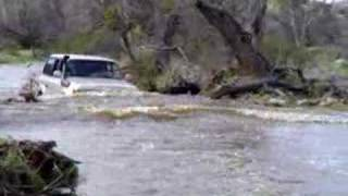 getlinkyoutube.com-Shotts' '93 FZJ80 (Deep water to the Pools at Chiva Falls)