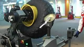 getlinkyoutube.com-Mattioli LST98 Ağır Vasıta Lastik Sökme Takma Makinesi