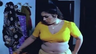 Uncle And Tamil Aunty Pushing And Bite Romance