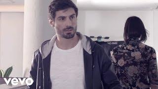 getlinkyoutube.com-Agapornis - Le Hace Falta un Beso