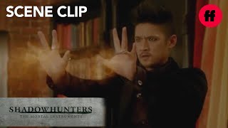 getlinkyoutube.com-Shadowhunters | Season 2, Episode 8: Magnus Finds Iris | Freeform