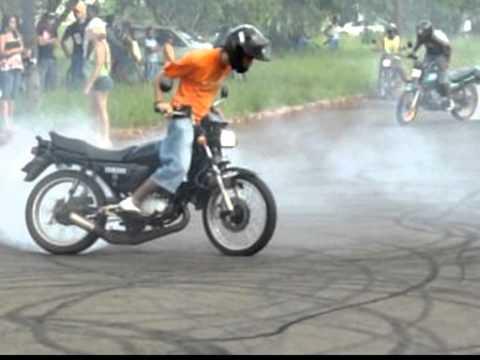 INDUBRASIL RD 135 & Titan 99 Manobras De Motos Campo Grande Ms