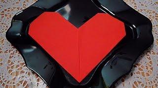 Как красиво сложить салфетку! Сердце! Украшения тарелки!