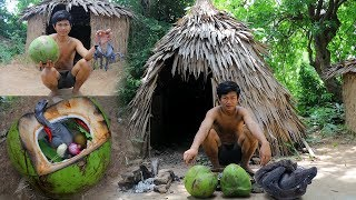 Primitive Technology: Cooking Black Chicken Inside Coconut,Special Soup ,factory food.